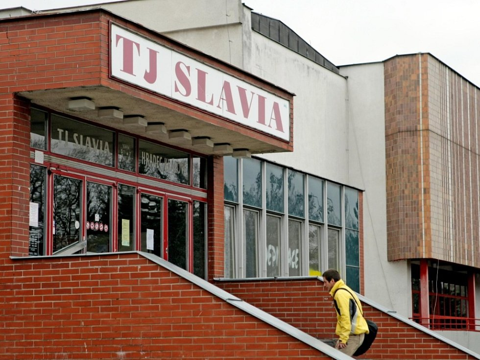 Sportovní areál TJ Slavia Hradec Králové.