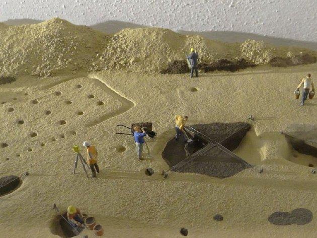 Tematická akce ve všestarském Archeoparku pravěku o víkendu ukáže, jak probíhá archeologický výzkum na budoucí trase dálnice D11.