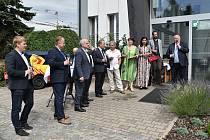 Hradecký dopravní podnik se raduje z nové knihy o historii městské dopravy.