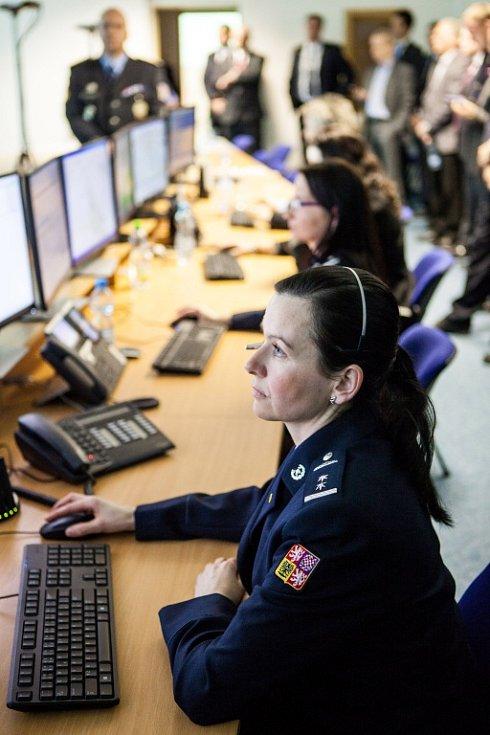 Ukázka činnosti pracovišť tísňového volání 112 a operačního řízení všech tří složek integrovaného záchranného systému Královéhradeckého kraje.