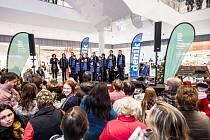 Česko zpívá koledy v obchodním centru Aupark v Hradci Králové.
