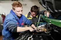 Pomůže vznik nových center probudit zájem mládeže o řemeslo?