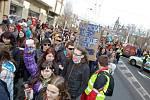 Protestní pochod vysokoškolských studentů krajským městem v rámci akce Týden neklidu.