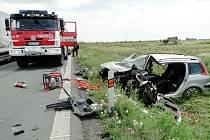 Dopravní nehoda dvou vozidel na silnici I/11 u Roudnice.