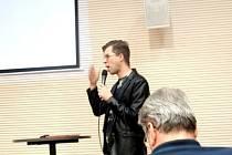 Jan Zikmund-Lender a přednáška o architektuře Hradce Králové ve Studijní a vědecké knihovně.