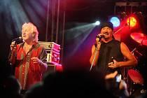 Britská skupina Smokie v pátek 11. června vyprodala letní parket ve Výravě.