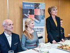 Předsedkyně Českého krasobruslařského svazu Věra Tauchmanová hovoří během mistrovství Evropy 2017 v Ostravě.