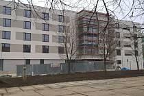 Vyrůstající domov pro seniory na Moravském Předměstí v Hradci Králové.