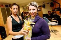 Výherkyně nejlepší proměny - Martina Kultová -  v soutěži krásy s Hradeckým deníkem byla po zásluze odměněna.