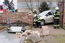 Havárie osobního automobilu ve Vysoké nad Labem.