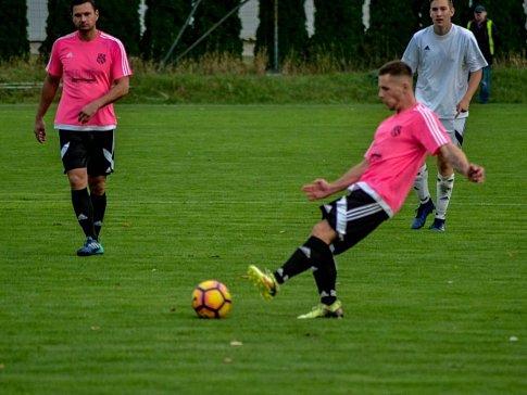Krajská fotbalová I. A třída: TJ Lokomotiva Hradec Králové - FC Spartak Kobylice.