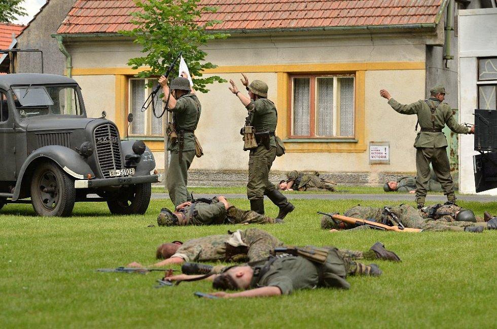 Boj o republiku 1945 v Lovčicích.
