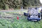 Havárie automobilu Škoda Felicia mezi obcemi Číbuz a Skalice.