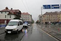 Policisté hledají svědky nehody u vily Aničky.