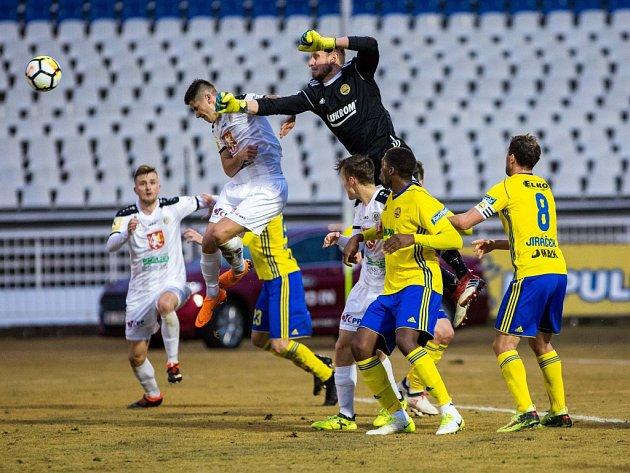 Čtvrtfinále fotbalového MOL Cupu: FC Hradec Králové - FC Fastav Zlín.