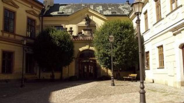 Hudební síň v historickém centru Hradce Králové