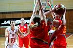 Hradecké basketbalistky vstoupily do nové sezony ŽBL impozantně. Na domácí palubovce porazily po přesvědčivém výkonu pražskou Spartu rozdílem 37 bodů 79:42.