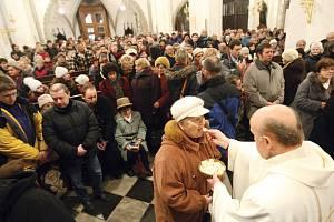 KRÁLOVÉHRADECKÁ DIECÉZE slaví. Významné jubileum – 350 let od založení diecéze – využil biskup Jan Vokál při novoroční bohoslužbě ještě k dalšímu kroku: vyhlásil Rok povolání. V následujících dvanácti měsících se proto zaměří právě na kněze a řeholníky.
