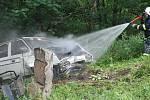 Havárie automobilu na plynový pohon u Blešna v pondělí 29. června 2009.