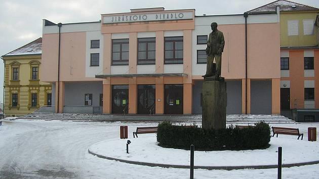 Jiráskovo divadlo v Novém Bydžově.