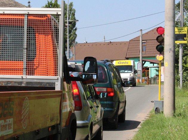 Další etapa oprav silnice omezí dopravu vokolí Úprkovy ulice do konce letošního listopadu.
