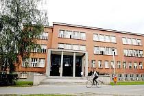 Komplex budov Základní školy a Mateřské školy Josefa Gočára v Hradci Králové (u Gymnázia J. K. Tyla).
