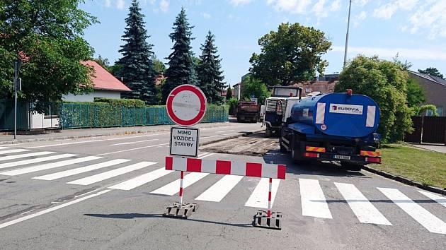 Uzavírka Úprkovy ulice v Hradci Králové.