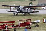 Dvoudenní letecká přehlídka International Flying Display v Hradci Králové