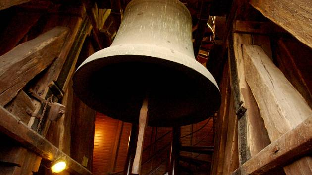 Zvon Augustin na Bílé věži v Hradci Králové.