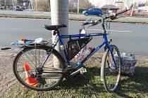 Bicykl zemřelého po nehodě v ulici Brněnská v Hradci Králové.