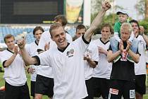 Hradečtí fotbalisté před domácím publikem zvládli na výbornou atraktivní druholigové utkání 29. kola, kde porazili Zlín 2:1 (sobota 30. května 2010).
