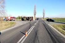 Dopravní nehoda na silnici č. I/11 mezi Hradcem Králové a Chlumcem nad Cidlinou.
