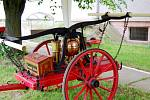 Hydrofor - dvoukolová hasičská stříkačka SDH Hněvčeves z roku 1872.