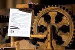 Práce na kompletní rekonstrukci třebechovického Proboštova betlému.