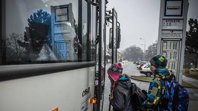 Autobusová zastávka Stoletá v Hradci Králové.