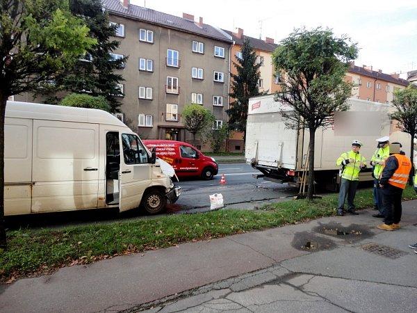 Dopravní nehoda vulici M. D. Rettigové vHradci Králové.