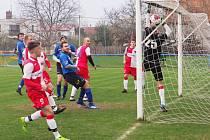 Okresní přebor ve fotbale: Malšova Lhota - Slavia Hradec Králové B.