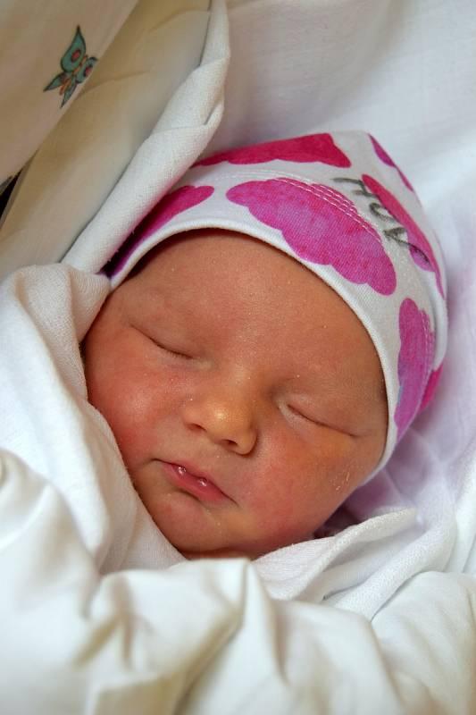 Apolena Žežulková z Dolního Bousova se narodila 28. září 2021 s váhou 3850 gramů a délkou 49 centimetrů. Těšili se na ni rodiče Aneta a Jaroslav Žežulkovi i bráškové Hynek a Vendelín.