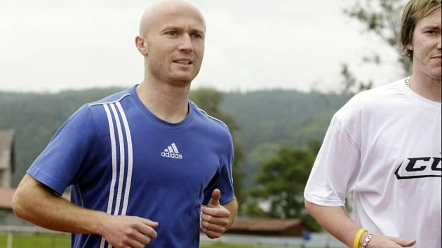 Sportovní redaktor Hradeckého deníku Petr Tomeš (vlevo).