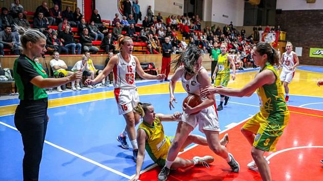 Ženská basketbalová liga: Sokol Nilfisk Hradec Králové - Slovanka Mladá Boleslav.