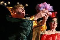 Z představení divadelního souboru Symposion, Sen noci svatojánské