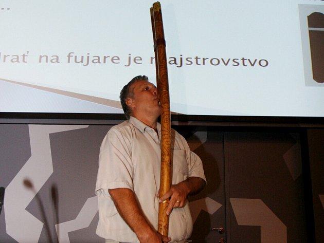 Veletrh nápadů učitelů fyziky na královéhradecké univerzitě.