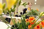 """Floristická střední škola v Hradci Králové má nyní šest set studentů a je jedinou školou v České republice s maturitním studijním programem """"Floristický designe""""."""