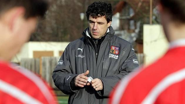 Studenty Pedagogického lycea se sportovním zaměřením v Chrudimi trénoval reprezentační asistent Luděk Klusáček.