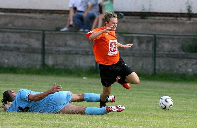 Snímek z přípravného utkání mezi Trutnovem a rezervou FC Hradec Králové.