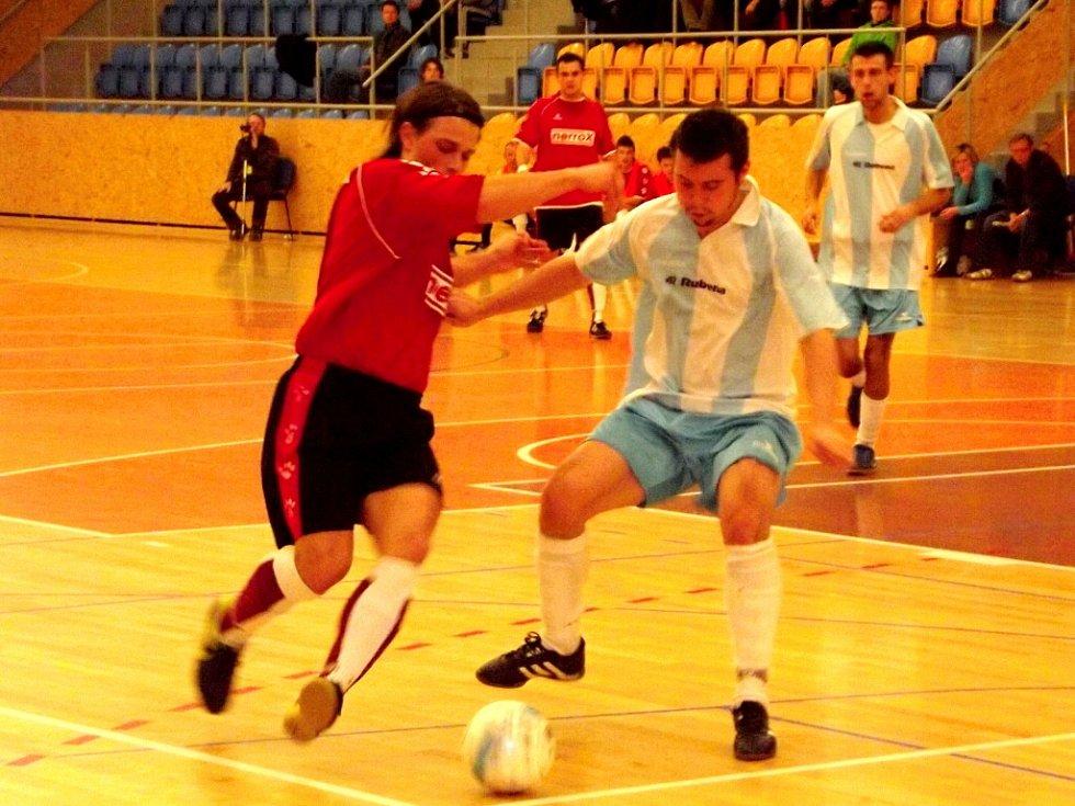 Futsalová II. liga - západ: UFA Salamandr XXL Hradec Králové - Slavia TU Liberec.