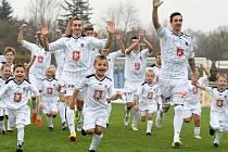 Fotografování fotbalistů oddílu FC Hradec Králové na novoroční přání pro rok 2014.