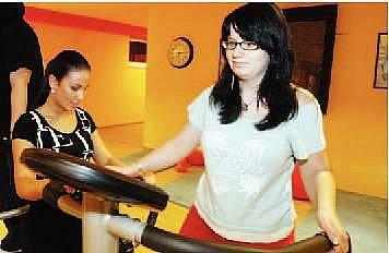 KAMILA ŠÍROVÁ, 18 let, studentka z Hradce Králové. Do Hubnutí s Deníkem šla kvůli tomu, aby se sebou něco udělala a zhubla. Dokázat, že když se chce, tak to jde. Doufá, že načerpá užitečné rady, jak správně cvičit a jíst, a že to celé k něčemu bude.