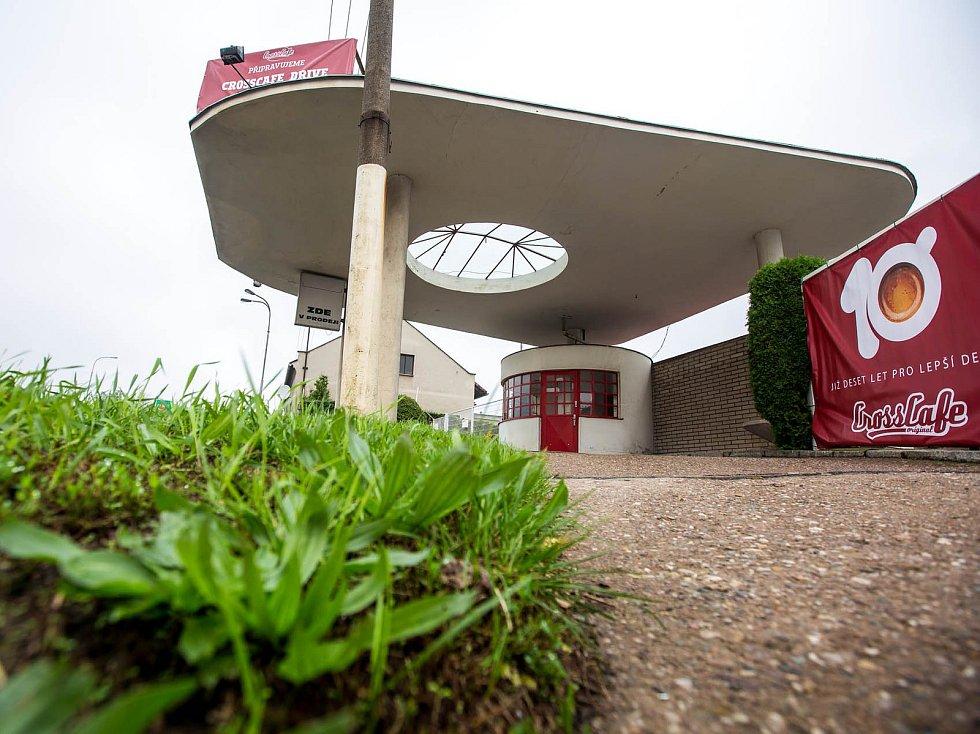 Prvorepubliková benzinka se promění na Crosscafe.