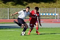 Novobydžovským fotbalistům (červení) se v podzimní části krajského přeboru dařilo. Bude tomu tak i na jaře?
